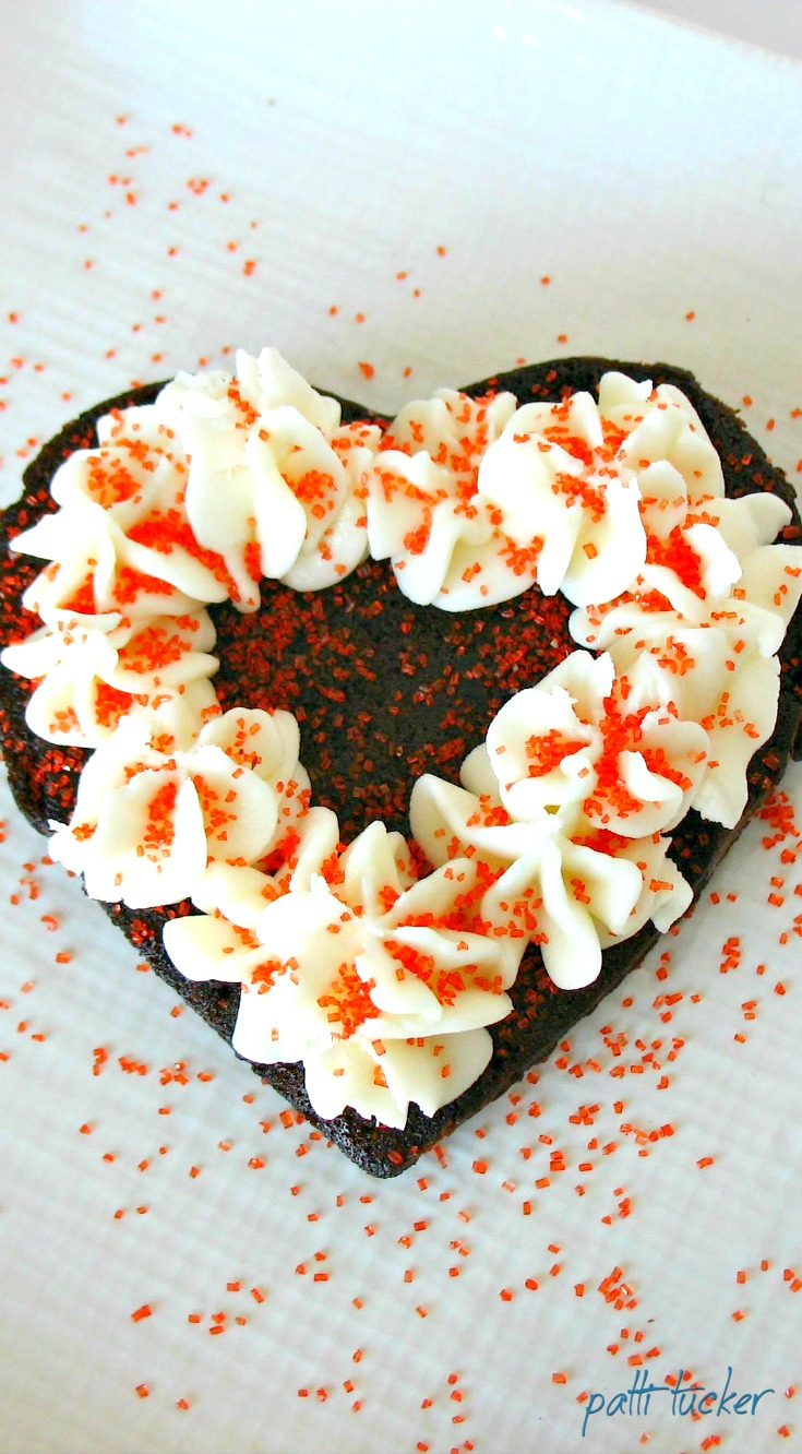 brownie heart with icing