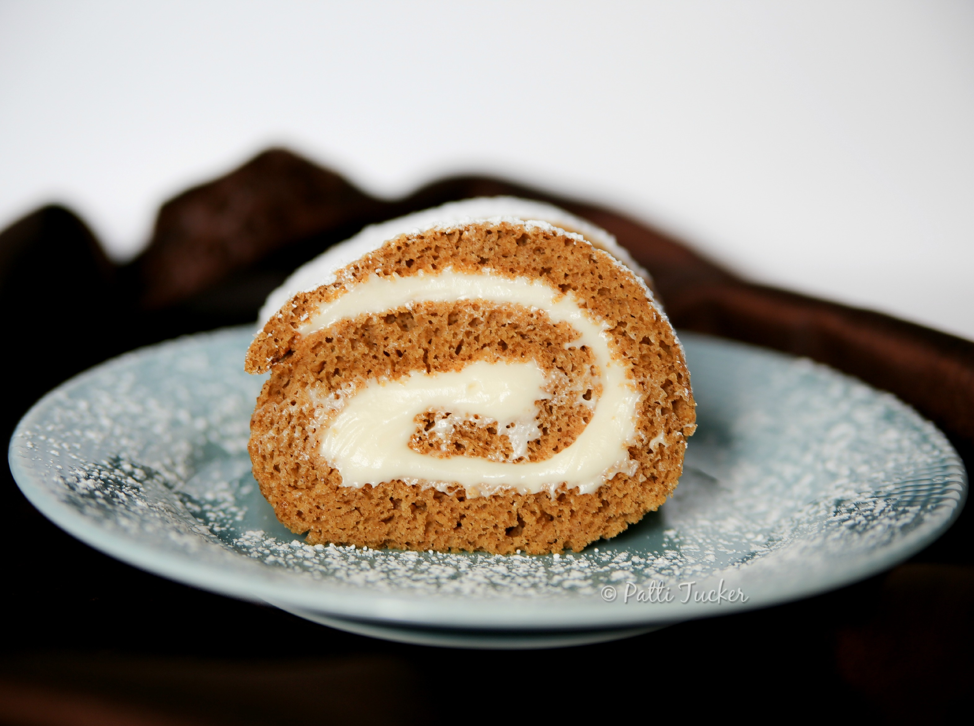 How to Make the Pumpkin Roll of Your Holiday Dreams