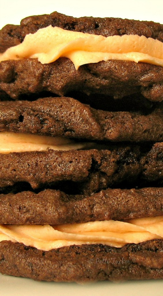 Filled Chocolate Cookies: A Halloween Tradition