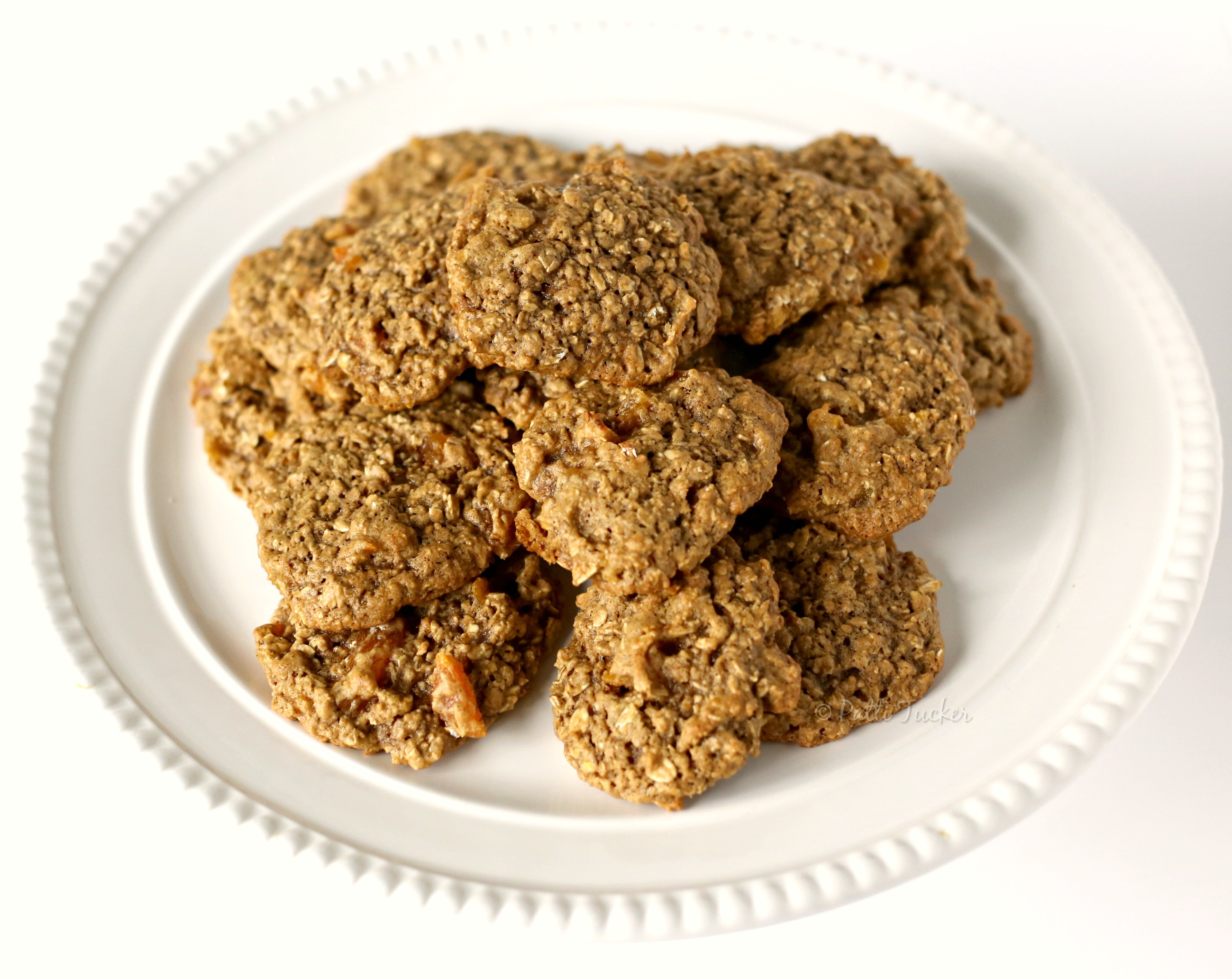 plate of oatmeal cookies