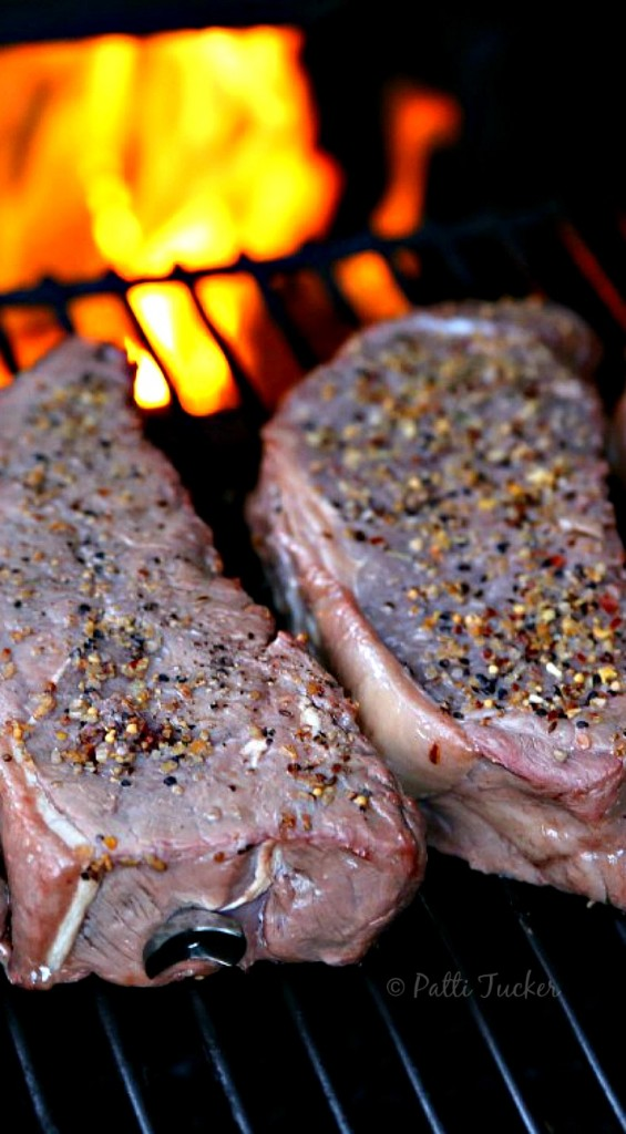 How To: An Entire Simple Meal on One Grill