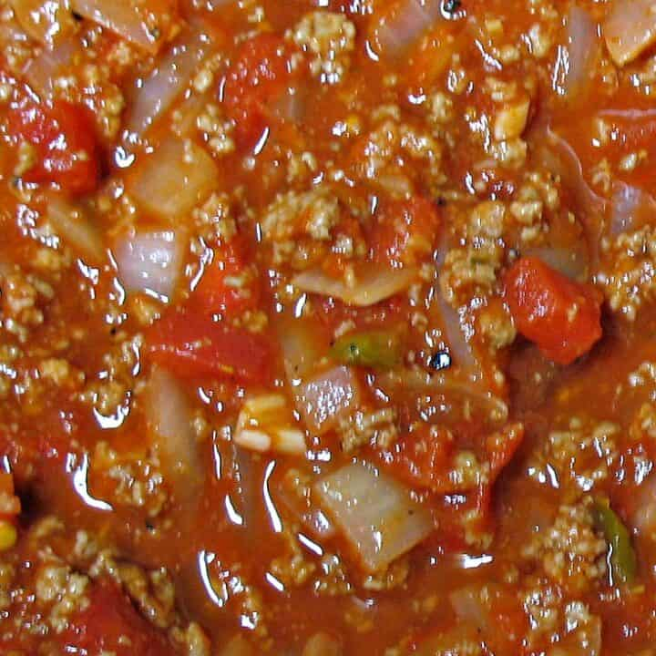 meat sauce in pan graphic