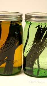 How to Make Homemade Vanilla Extract in 5 Easy Steps
