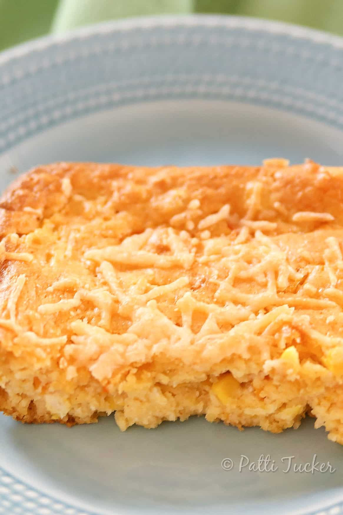 No need to fry anything to get that great corn fritter yum. Make this instead! #cor #cornfritter #casserole #ohmrstucker #sides